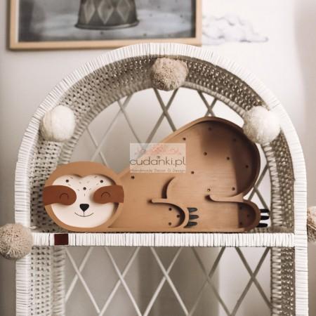 Lampka z drewna leniwiec