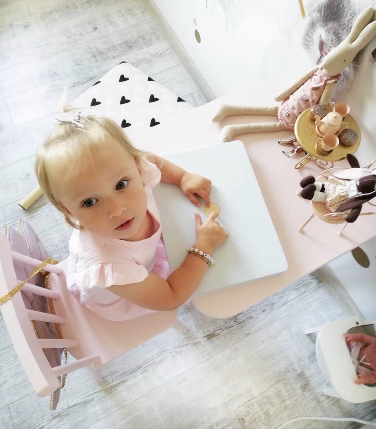 stolik vintage retro dla dzieci różowy