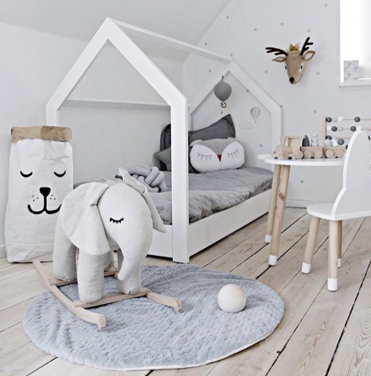 Skandynawskie łóżko Bed House Kolory Super Ze Stelażem I